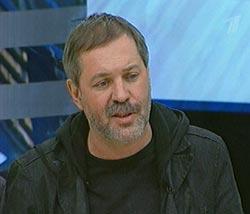 Тележурналист Михаил Леонтьев