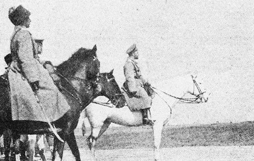 Николай II на Юго-Западном фронте. Первый слева – Ф.А. Келлер