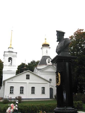 Село Заборово. Спассо-Преображенский храм и памятник М.Д. Скобелеву