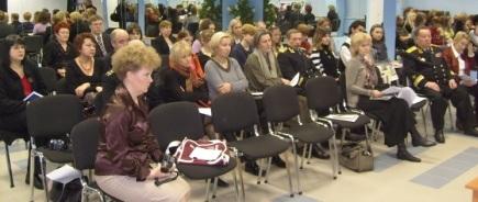 """Круглый стол """"За нравственность на российском телевидении"""" в Кронштадте"""