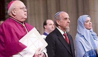 Епископ Вашингтонский Франциско Гонзалес, раввин Хаскель Лукштейн, Ингрид Мэтсон на инаугурационном богослужении в Вашингтонском национальном соборе