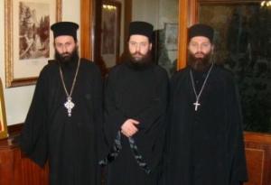 Иеромонах Дорофей (Дбар), иеродиакон Давид (Сарсания) и иеромонах Андрей (Ампар)