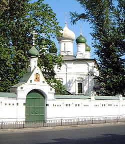 Сретенский монастырь. Вид со стороны Лубянки. Фото А. Комлева