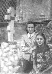 Фото памятника на могиле Каппеля в Харбине. 1946 г.