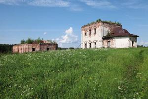 Развалины храма в Вологодской области