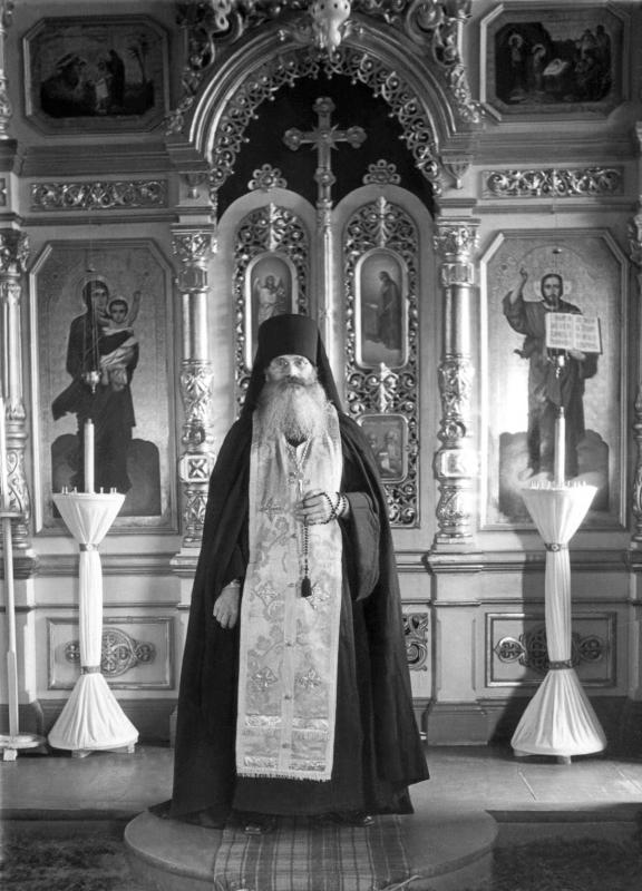 Иеромонах Рафаил в Благовещенской церкви Козельска