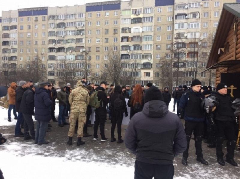 Украинские националисты требуют снести храм канонической Церкви во Львове