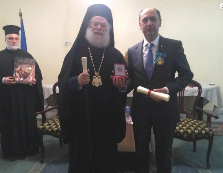 Блаженнейший Патриарх Феодор вручил уходящему в отставку послу Украины в Египте Геннадию Латию орден Льва Александрийского