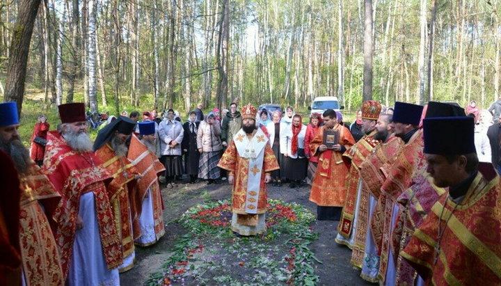 На месте расстрела монахов Рыхловского монастыря