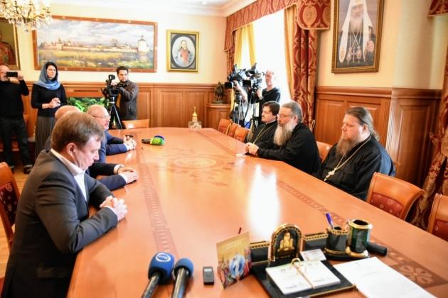 Митрополит Екатеринбургский Кирилл встретился с депутатами Госдумы