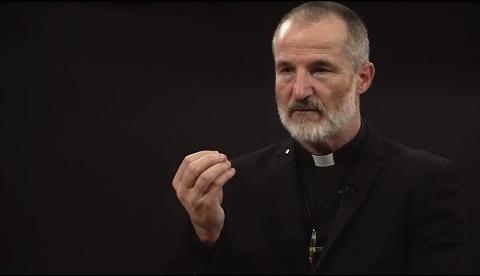 Католический священник Ги Паже