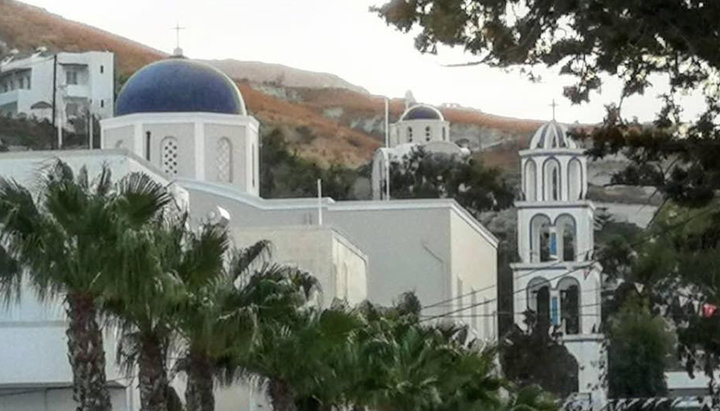 Храм Божией Матери в Камари