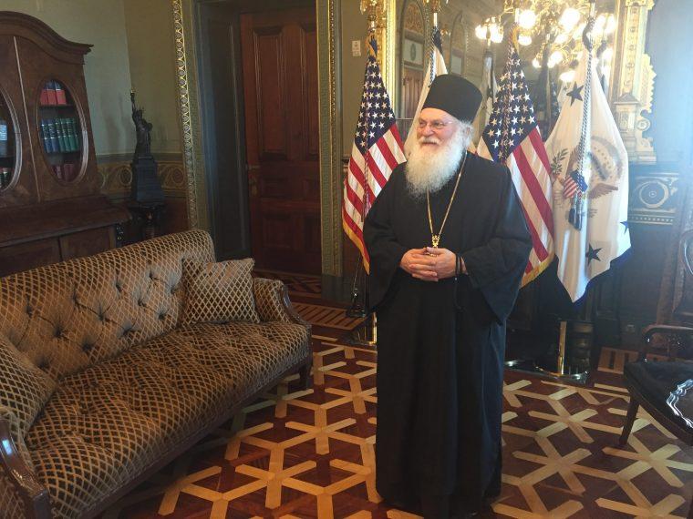 Архимандрит Ефрем в Белом доме. Вашингтон. Фото: TNH / Kostas Bej